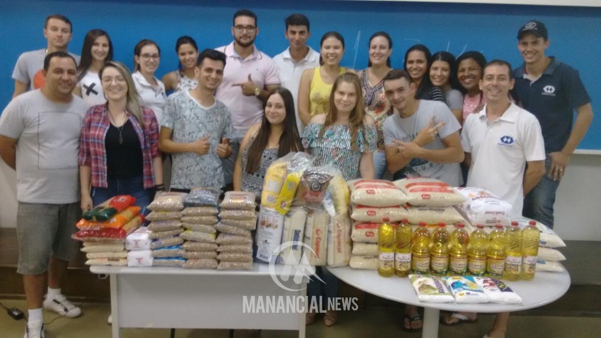 Acadêmicos da Dom Bosco realizam trote solidário e arrecadam alimentos a663deec013b7